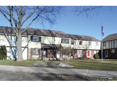 2 Bed 1.5 Bath Foreclosure Property in Sterling Heights, MI 48312 - Hickory Dr