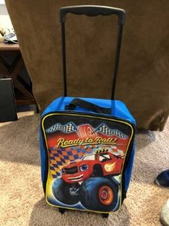 thomas train suit case, wheels and pull out handle