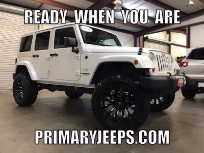 2012 Jeep Wrangler Unlimited Sahara (White)