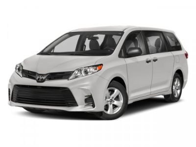 2018 Toyota Sienna XLE (Midnight Black Metallic)