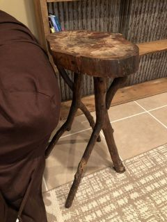 Side or accent table