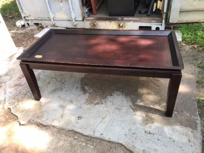Coffee table. Read description