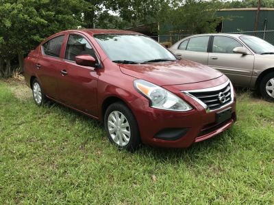 Nissan Versa 2016 Red 4 door