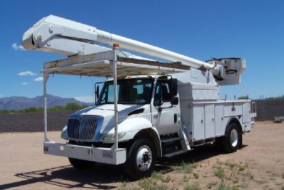 2005 International 4300 Bucket Truck 42K Miles !!!