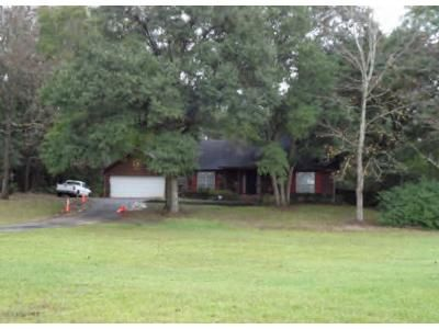 3 Bed 2.5 Bath Foreclosure Property in Mobile, AL 36695 - Marty Dr