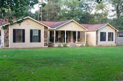244 Kinchafoonee Creek Drive Leesburg, Vacation in your own