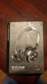 Monster Cable N-Credible headphones