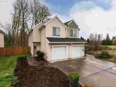 52004/06 SW Johanna Dr Scappoose, Awesome investment