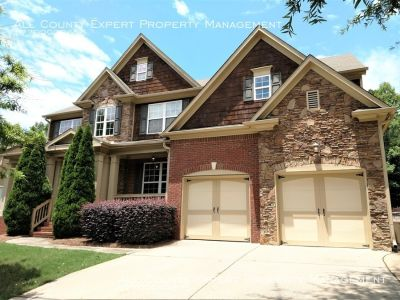 GORGEOUS Executive style home in great neighborhood