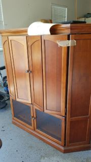 TELEVISION REAL HEAVY CABINET