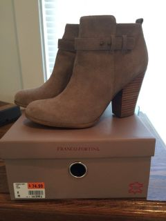 Womens Boots perfect condition worn only once