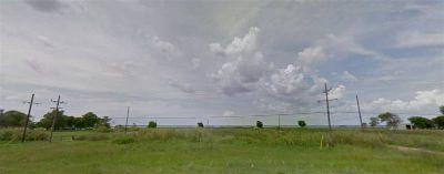 Hwy 82 Port Arthur, Great 2 acre lot on Pleasure Island just