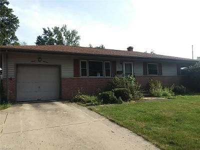 3 Bed 1 Bath Foreclosure Property in Youngstown, OH 44515 - Cavalcade Dr
