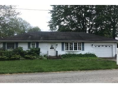 2 Bed 2 Bath Preforeclosure Property in Berlin Heights, OH 44814 - 6th St