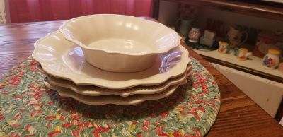 Pioneer Woman cowgirl linen plates & One Bowl