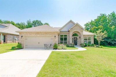 Gorgeous 3 Bedroom Home in Fairhope, AL!