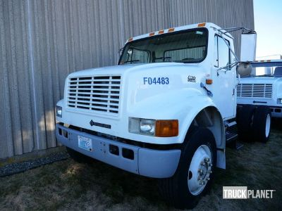 1997 International 4900 S/A Day Cab Truck Tractor