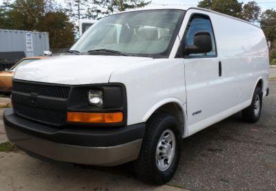 2006 Chevrolet Express 2500 2500 (Summit White)