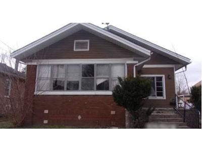 3 Bed 2 Bath Foreclosure Property in Christopher, IL 62822 - S Emma St