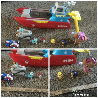 Big Paw Patrol Boat, Sea Patroller, Transforming Vehicle, includes batteries, works great, no original accessories, added these $18.00