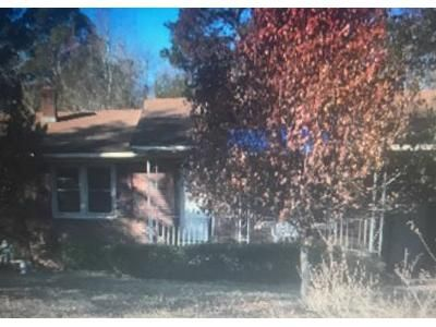 3 Bed 1 Bath Preforeclosure Property in Lumberton, NC 28360 - Rozier Church Rd