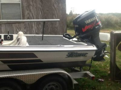 22ft. Bass boat 225 vmax