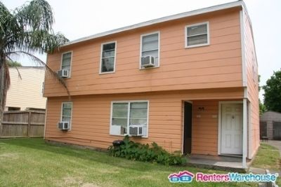 Awesome and Affordable 2 Bedroom - 1 Bath FOR LEASE!!!