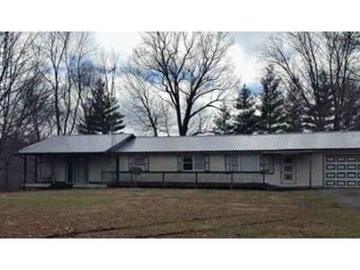 3 Bed 2.5 Bath Foreclosure Property in Campbellsburg, IN 47108 - N West Washington School Rd