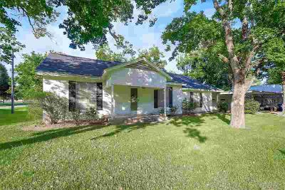 9103 Union Street Needville Four BR, Here's your chance to own a