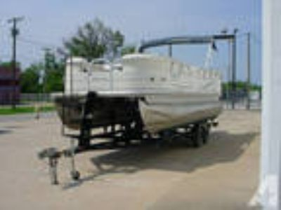 2005 Sun Tracker Party Barge 22 W 90 -