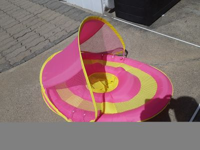 Baby float with sun protector