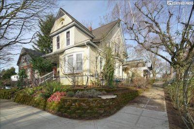 $2100 1 townhouse in Portland Southeast