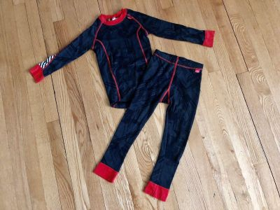 Lifa Stay Dry Technology warm winter set size 5. Keep warm for sports or play winter outdoor. Price is firm!