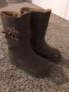 Toddler 8 brown boots