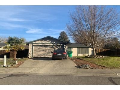 4 Bed 2 Bath Preforeclosure Property in Grants Pass, OR 97527 - Meadow Gln