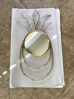 Pineapple mirror and jewelry hanger