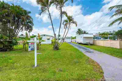 4433 SW 34th Ter FORT LAUDERDALE, Spacious Two BR