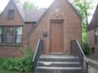 East Lansing Five BR 3.5 BA, Renaissance Property Management