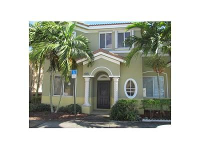 3 Bed 6 Bath Foreclosure Property in Homestead, FL 33035 - SE 12th Ct # 136