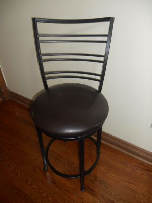 365 degree swivel Bar Stool