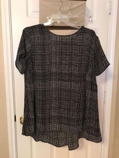Women's black and white blouse. Size 2X. $5