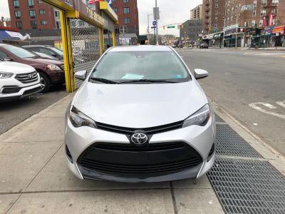 2018 Toyota Corolla LE (Classic Silver Metallic)