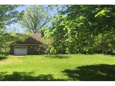 3 Bed 2 Bath Preforeclosure Property in Batavia, NY 14020 - Pratt Rd