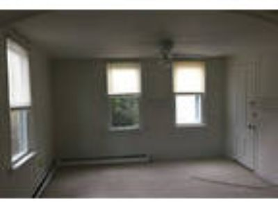 Camden First Floor Rental - is a One BR first floor apartment.