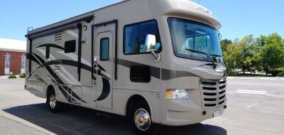 2013 Thor ACE 27.1 Gas Motor Home