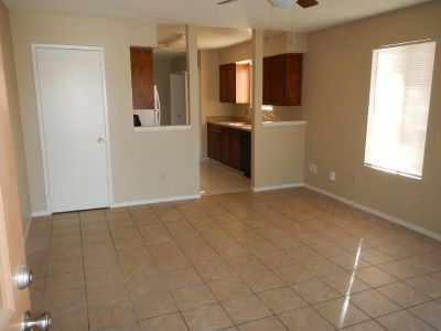 2 bedroom in LEMOORE