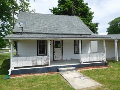 1 Bed 1 Bath Foreclosure Property in Sidell, IL 61876 - Mitchell St