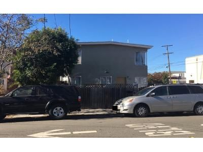 6 Bed 4.0 Bath Preforeclosure Property in Berkeley, CA 94703 - California St