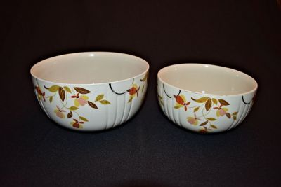 Vintage Jewel Tea Company Mixing Bowls