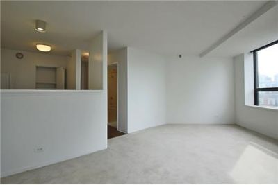 2 bedrooms Apartment - This property is nestled between Old Town.